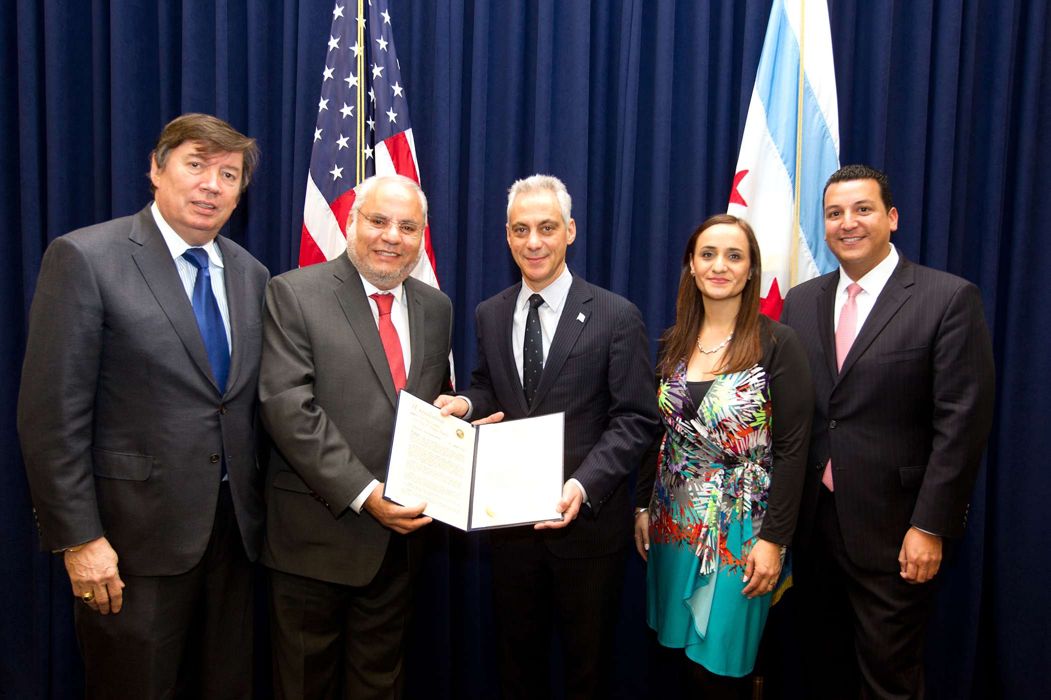 Mexico City Sister City Resolution: Alejandro Silva, Co-Chair of the Mexico City Committee of Chicago Sister Cities International; the Honorable Carlos Martín Jiménez Macías, Consul General of the United Mexican States; Chicago Mayor Rahm Emanuel; Adriana Escarcega, Co-Chair of the Mexico City Committee of Chicago Sister Cities International; and Leroy Allala, Executive Director of Chicago Sister Cities International. Photo by Brooke Collins, City of Chicago.